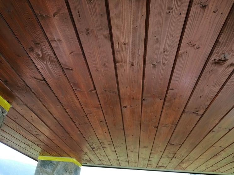 Nátěry fasád, štítů a podbití - dřevěný strop, podbití