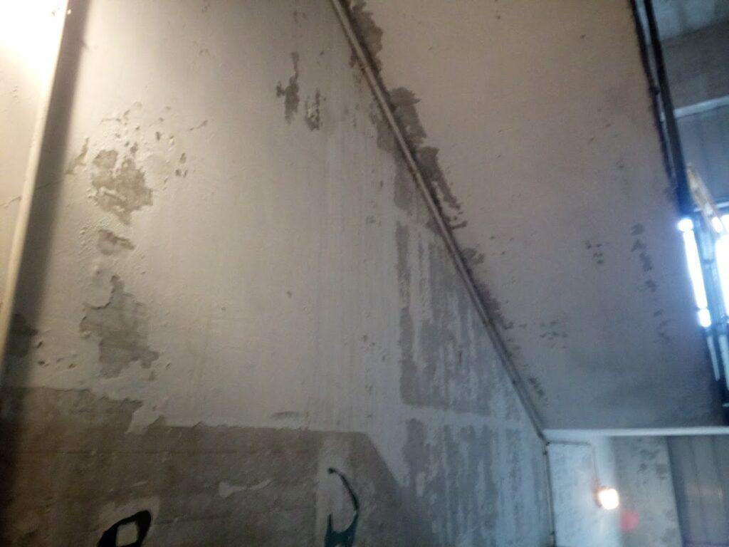 Výmalba schodiště - před malířskými pracemi
